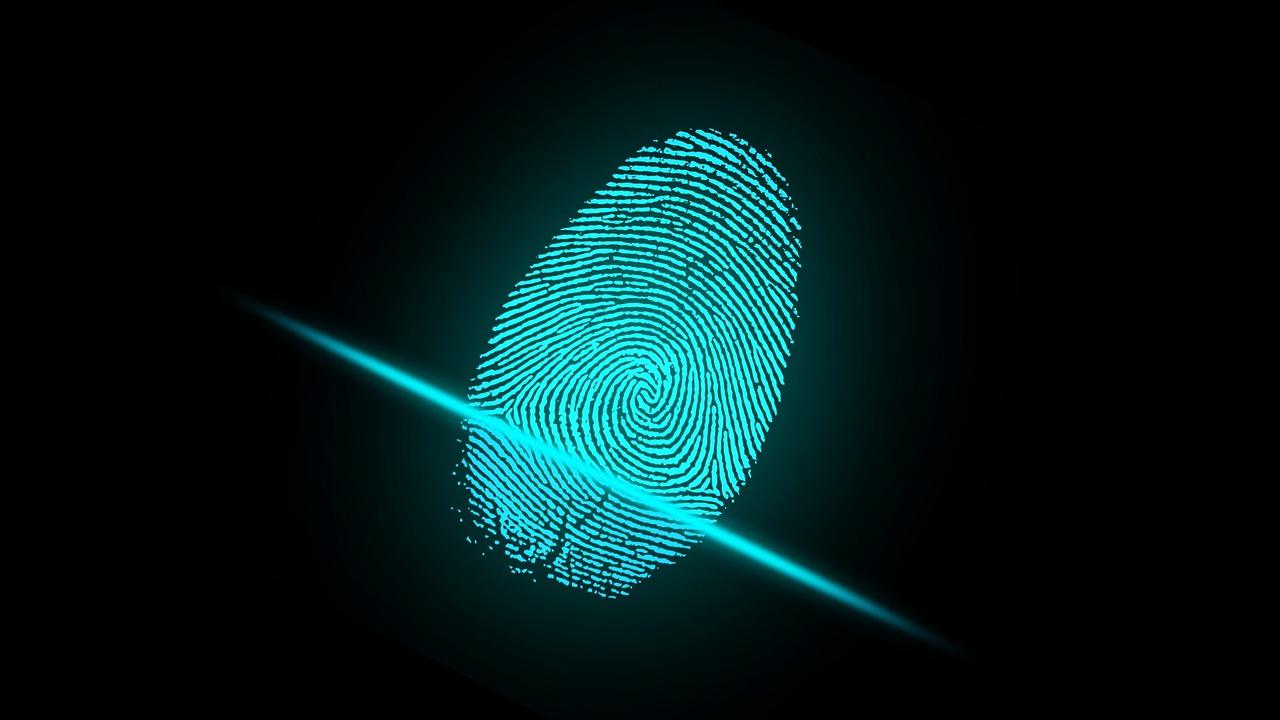 Prosty sposób na uwierzytelnianie e-dokumentów, czyli jak zamówić podpis elektroniczny Szafir?