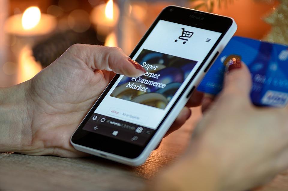 Planujesz stworzenie własnego e-sklepu? Koniecznie wybierz właściwy system płatności internetowych